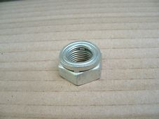 21-0586 (S586)  Clutch centre nut